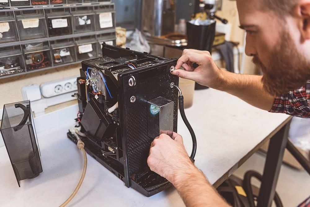 Kaffeevollautomat-Reparatur